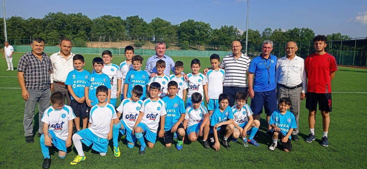 Başkan Özdemir'den Genç Futbolculara Ziyaret