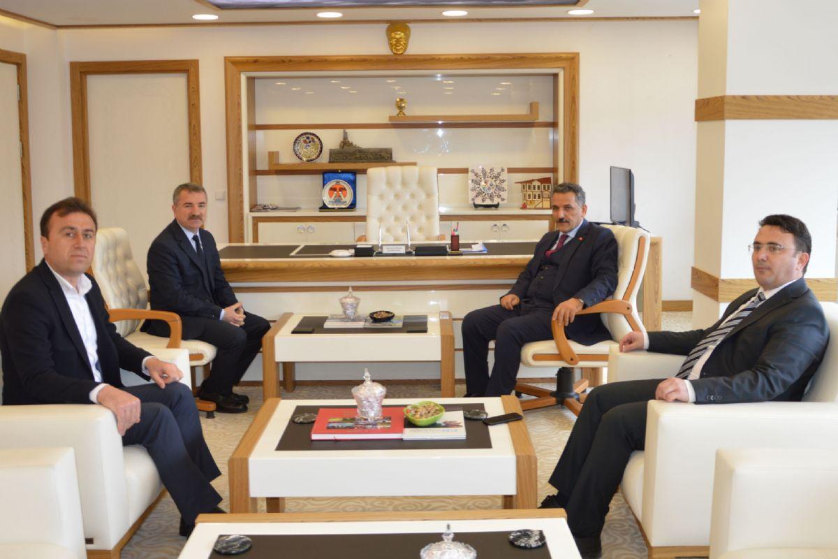 Samsun Valisi Osman Kaymak Cavide Öngel'in Cenaze Merasimine Katılarak Hayırsever Öngel Ailesine Taziyelerini Bildirdi.