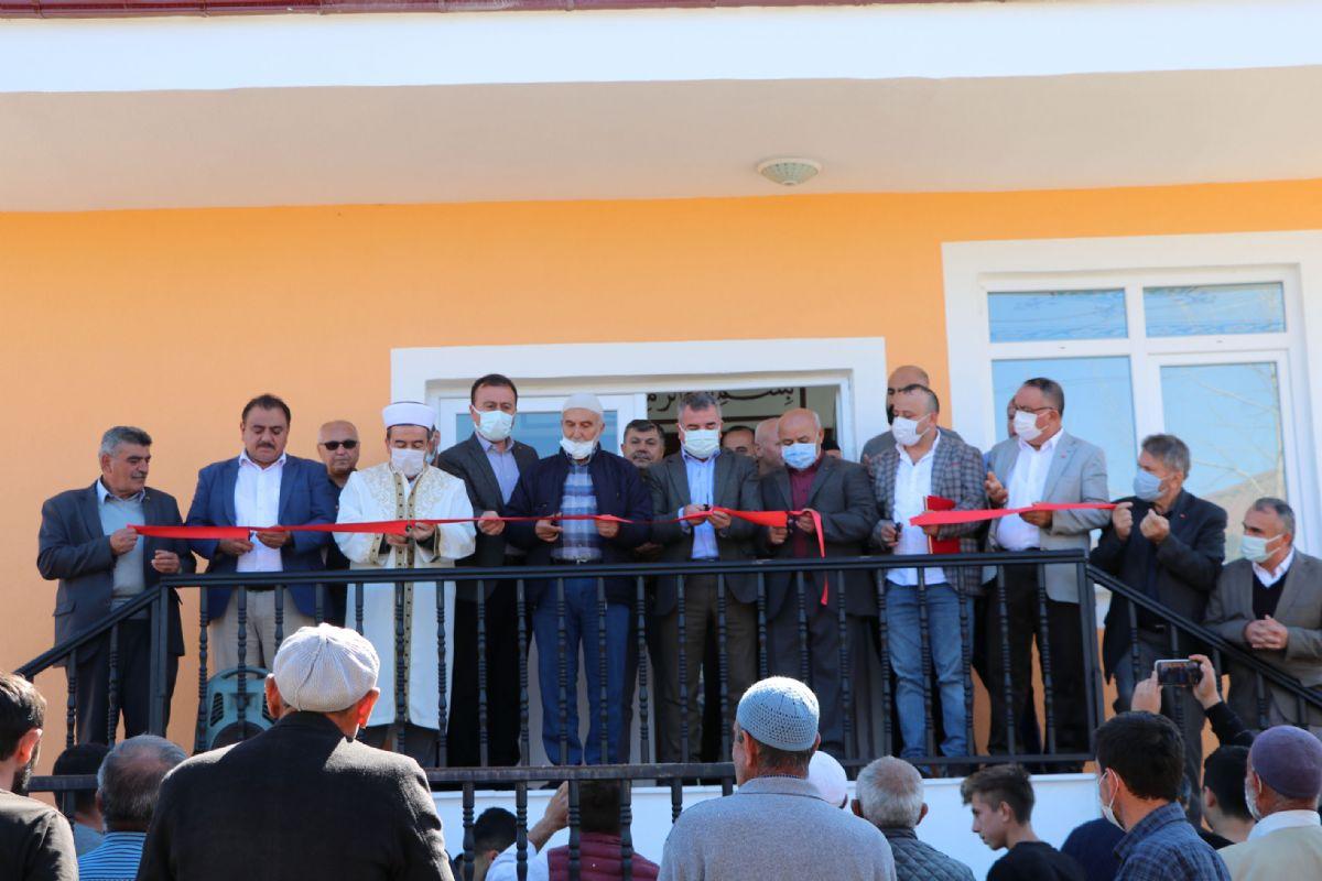 Emiruşağı Cami İbadete Açıldı