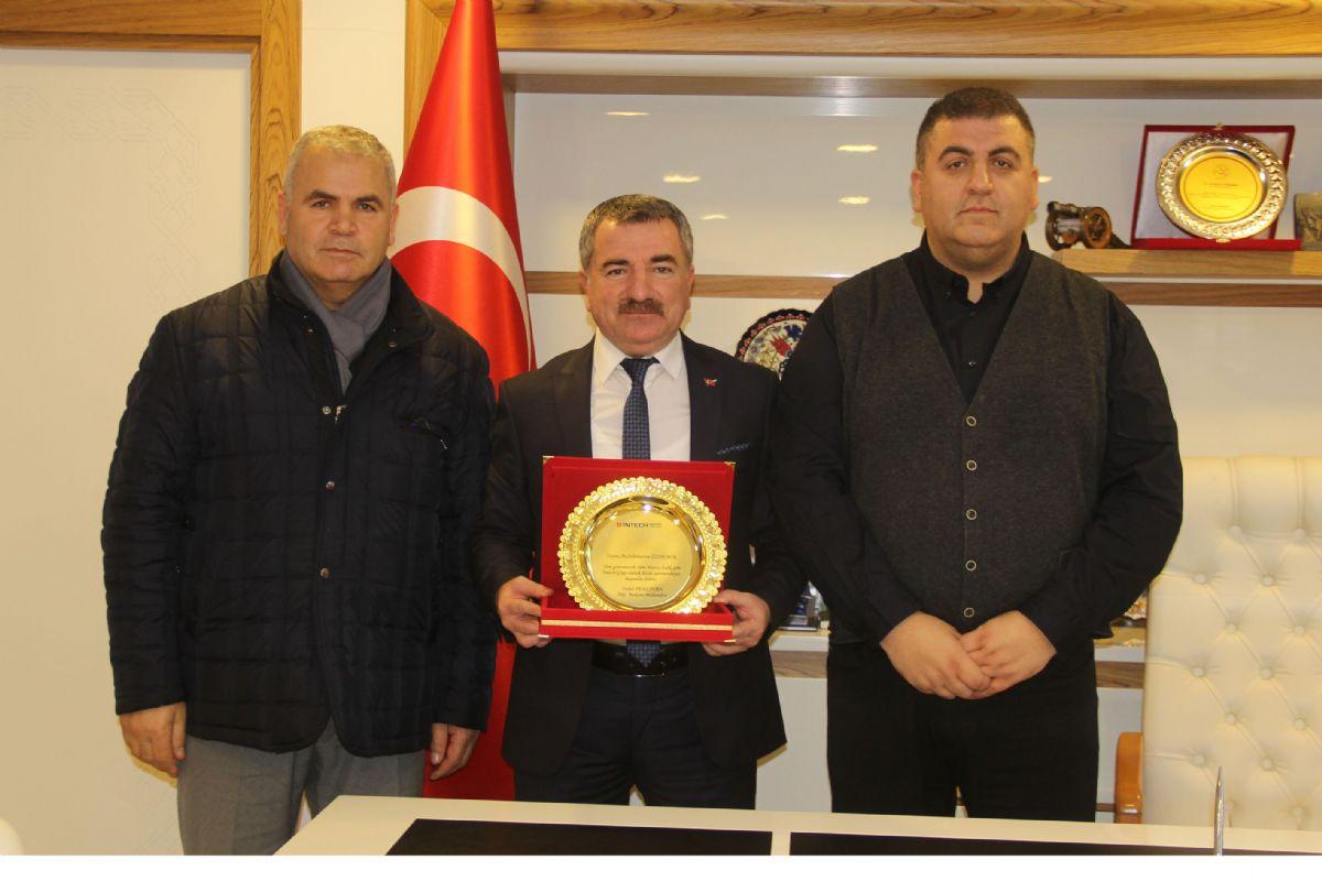 Gurbetçi İş İnsanından Başkan Özdemir'e Ziyaret