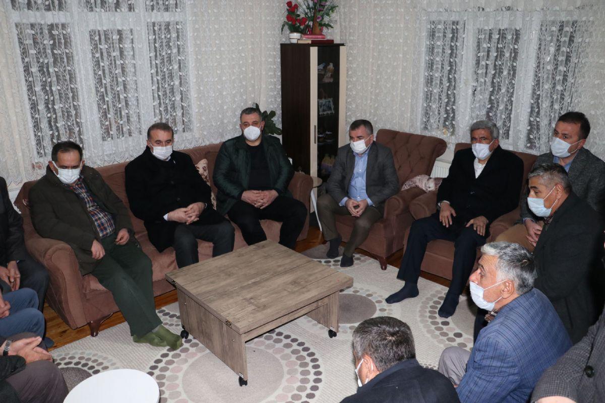 Samsun Büyükşehir Belediye Başkanı Demir'den Atınışık Ailesine Taziye Ziyareti
