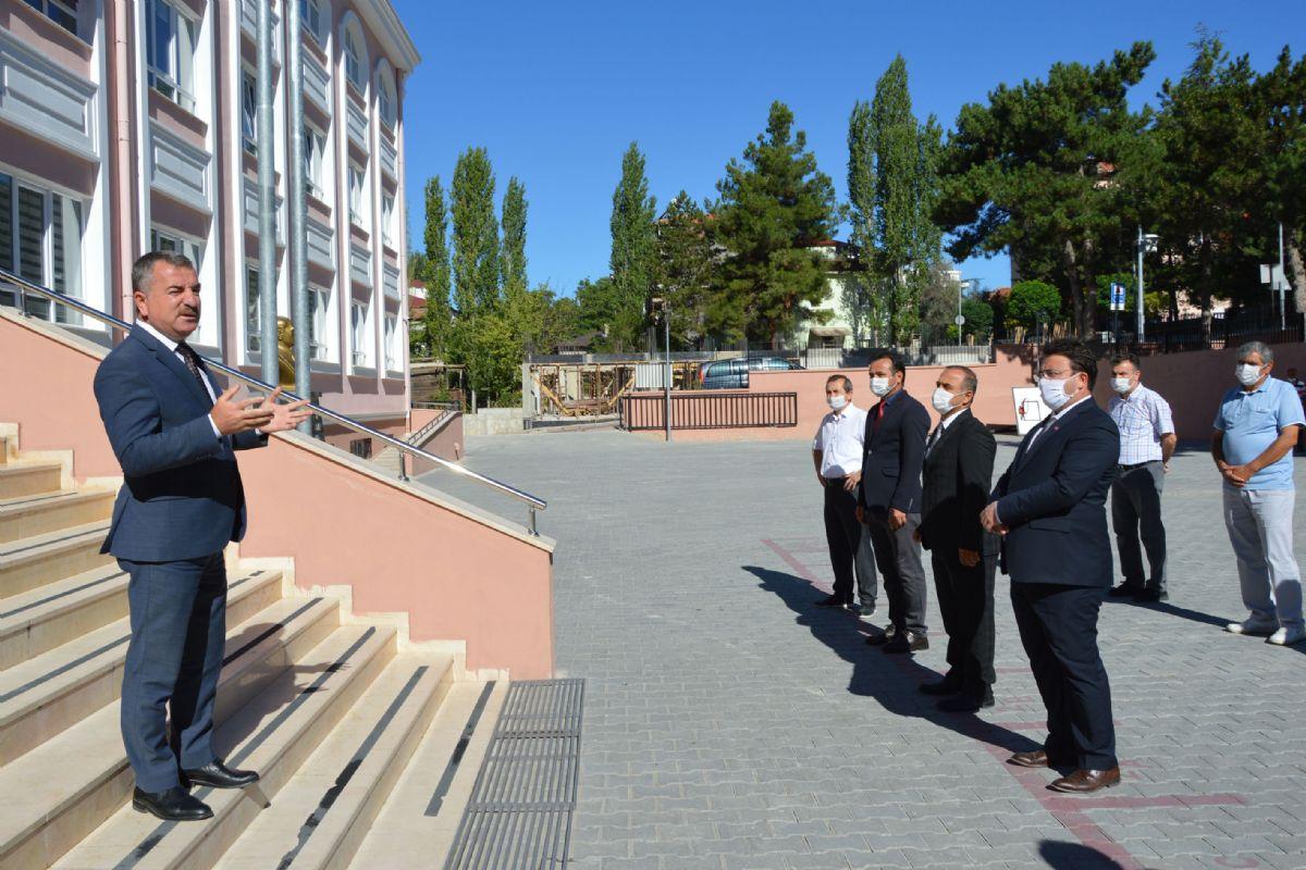 """Başkanı Özdemir ; """" Ailelerin Bu Güne Kadar Hiç Olmadığı Kadar Bu Eğitim Sürecinin İçinde Olması Lazım. """""""