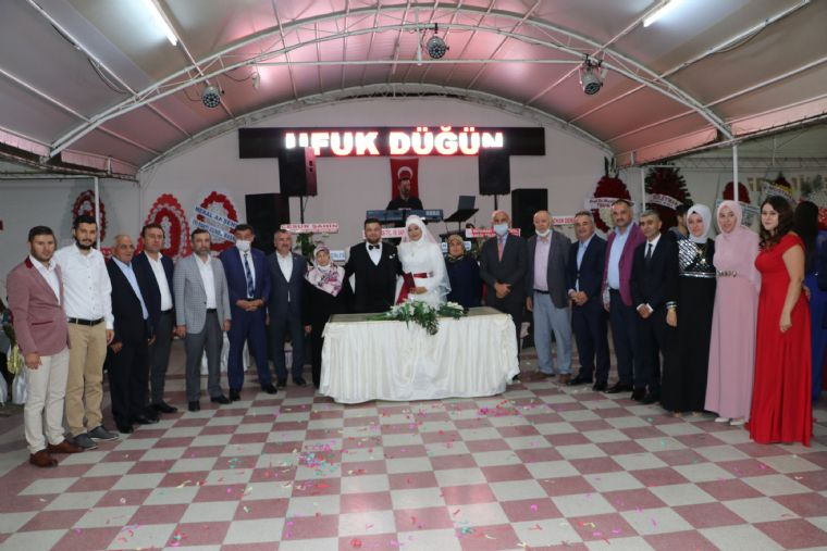 Başkan Özdemir'in Kıydığı Nikahta Ak Parti Milletvekili YILMAZ Nikah Şahidi Oldu