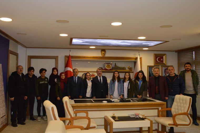 Okul Sporlarında Dereceye Giren Öğrencilerden Başkan Özdemir'e Ziyaret