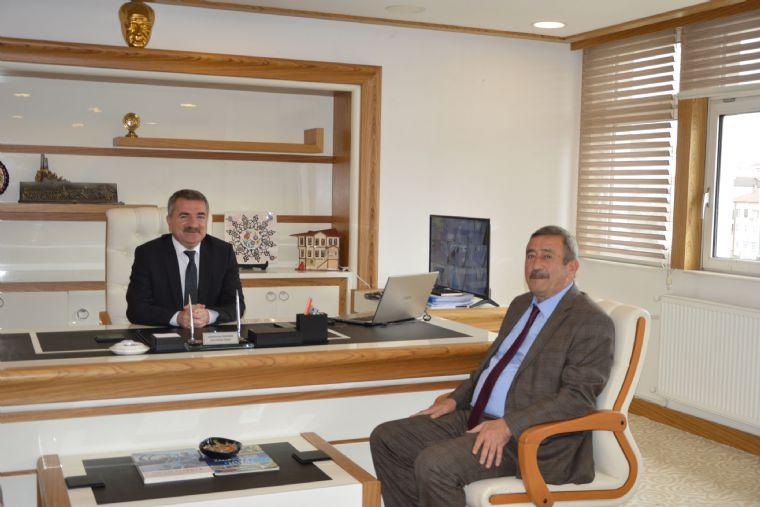 Amasya Şeker Fabrikasını Yönetim Kurulu Başkanı Mustafa Saatcı Havza Belediye Başkanı Sebahattin Özdemir'i Ziyaret Etti.