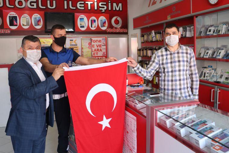Havza Belediyesinde Esnafa Bayrak