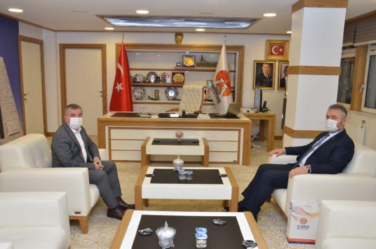 19 Mayıs Belediye Başkanı Topaloğlu'ndan Başkan Özdemir'eziyaret