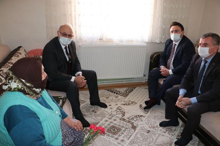 Başkan Özdemir'den 24 Kasım Öğretmenler Günü Ziyaretleri